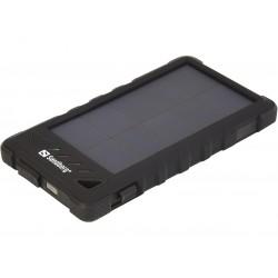 Kraftig og solid powerbank med USB og solcelleopladning. Solid og regnsikker indkapsling.